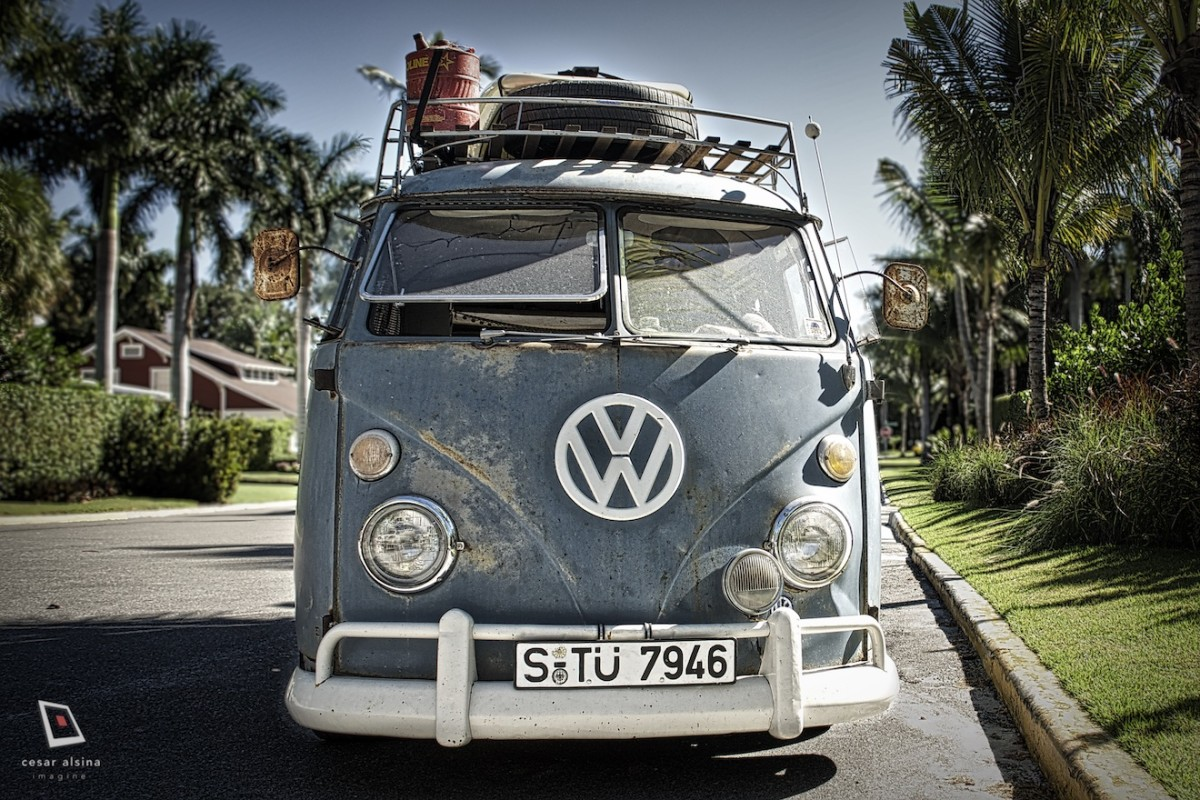 Clay's VW 1965 Bus, A Running Legend